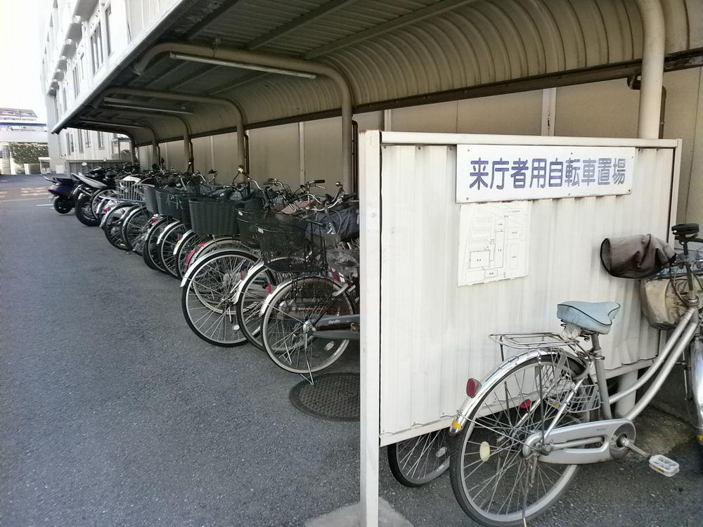 摂津市役所駐輪場の画像
