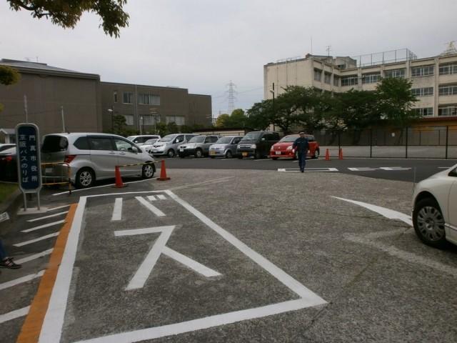 門真市役所駐車場
