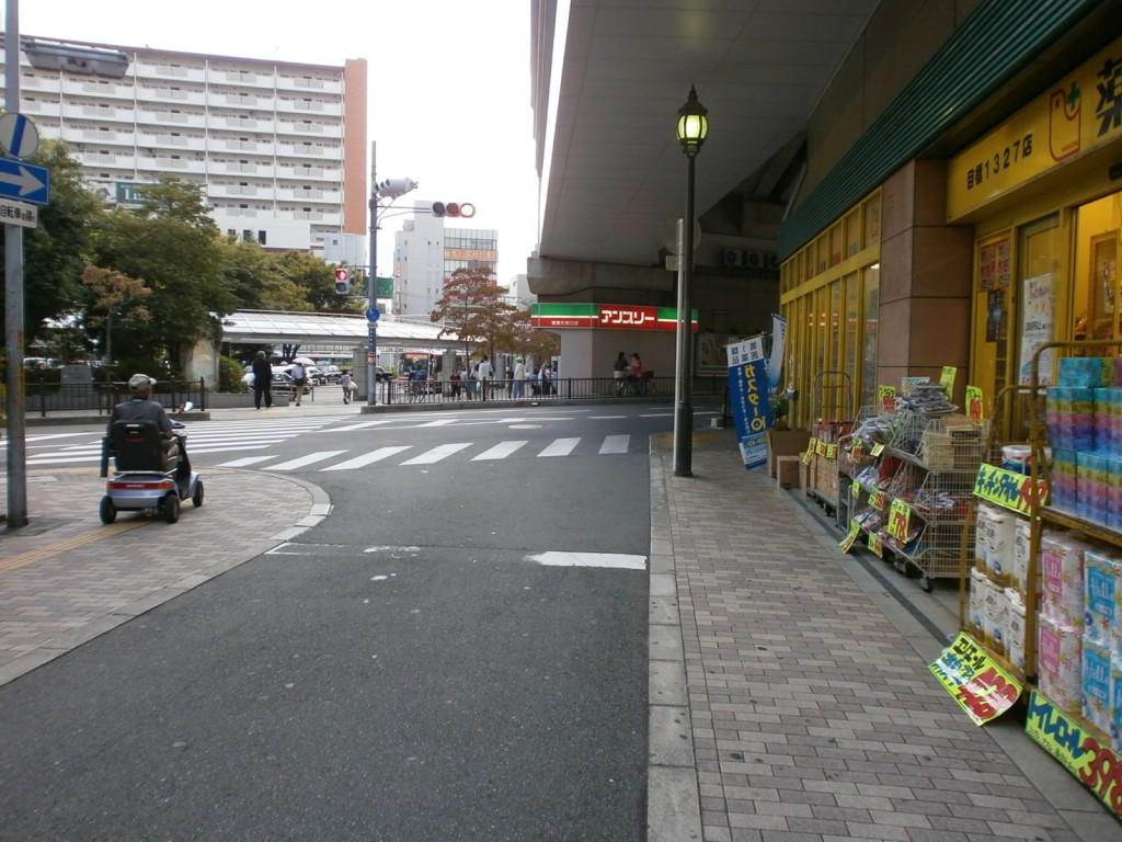 京阪寝屋川市駅から寝屋川市役所へ案内の画像