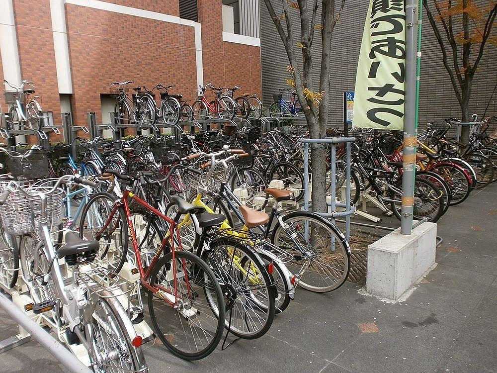 なんば市税事務所駐輪場の画像
