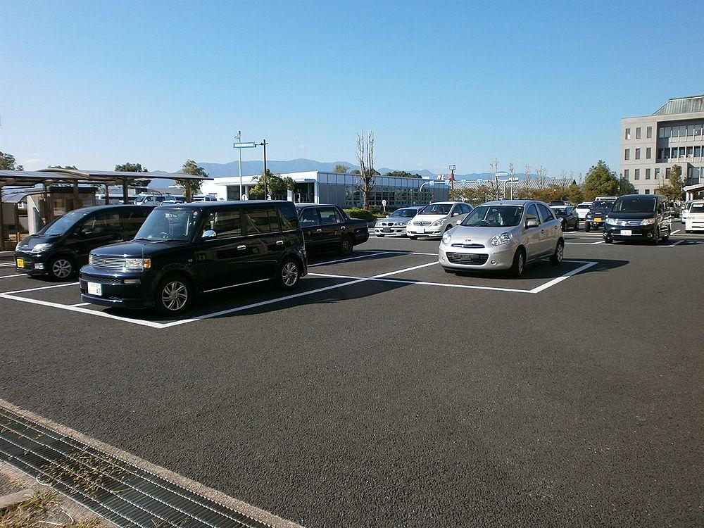 滋賀運輸支局駐車場の画像