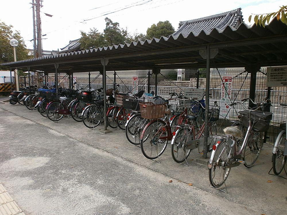 高槻市役所富田支所駐輪場の画像