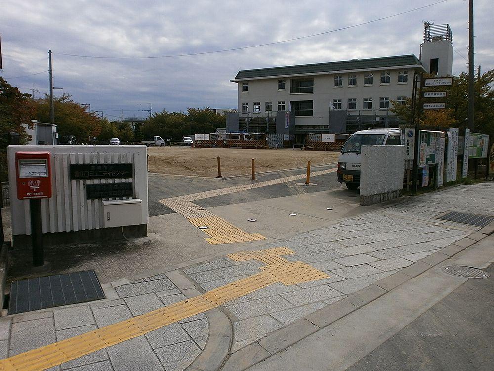 高槻市役所富田支所入り口の画像