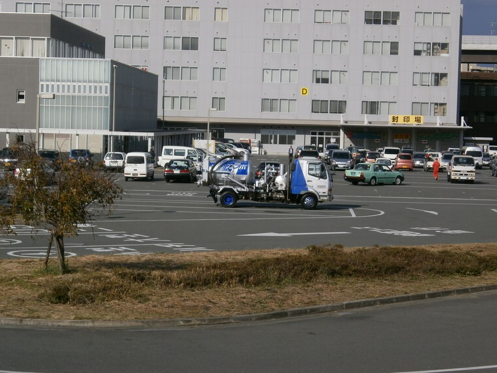 京都運輸支局駐車場の画像