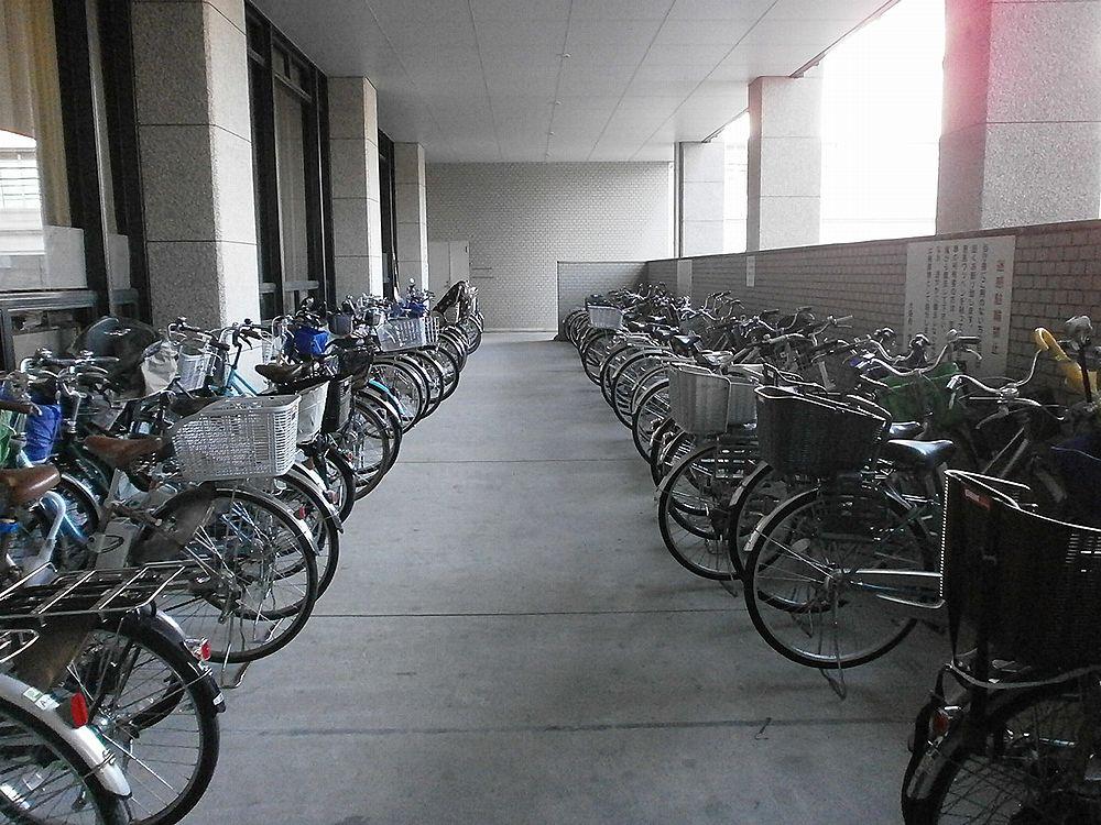 池田市役所自転車駐輪場