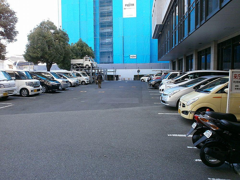 池田市役所駐車場