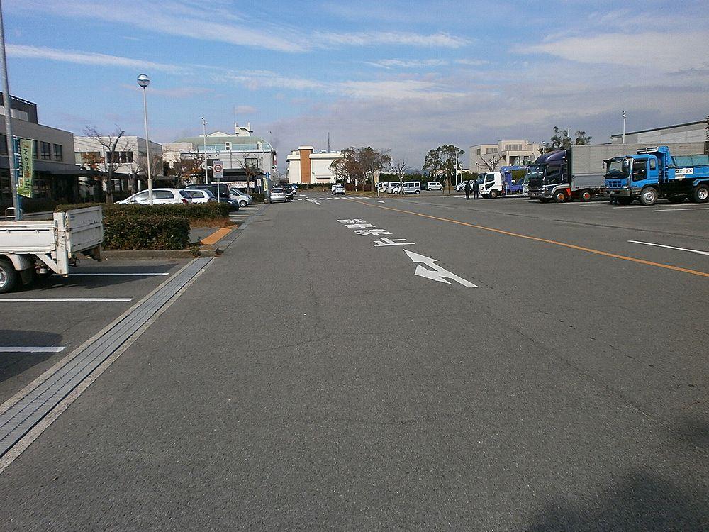 和歌山運輸支局駐車場の画像