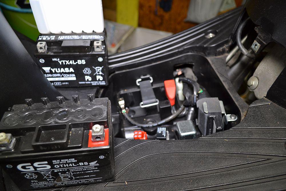 バッテリーを取り外し電圧のチェック