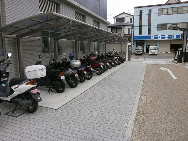 伏見区役所バイク置き場