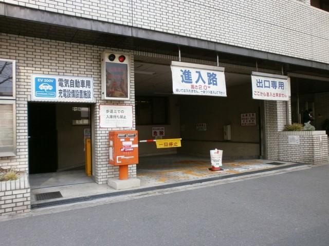 中京区役所駐車場入り口