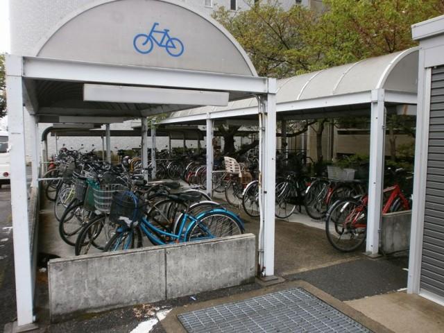 貝塚市役所自転車置き場