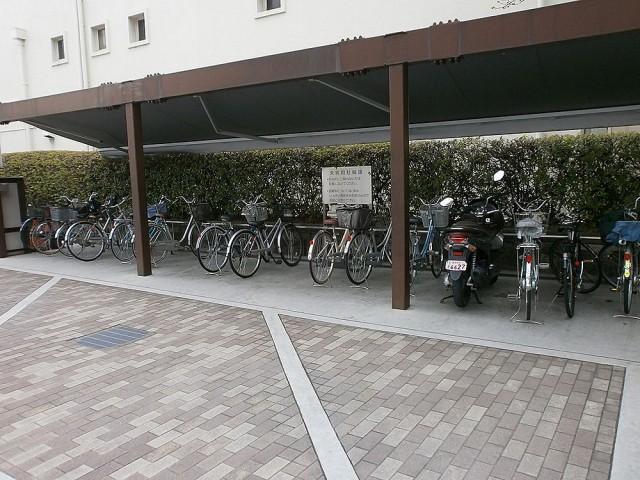 長岡京市役所駐輪場