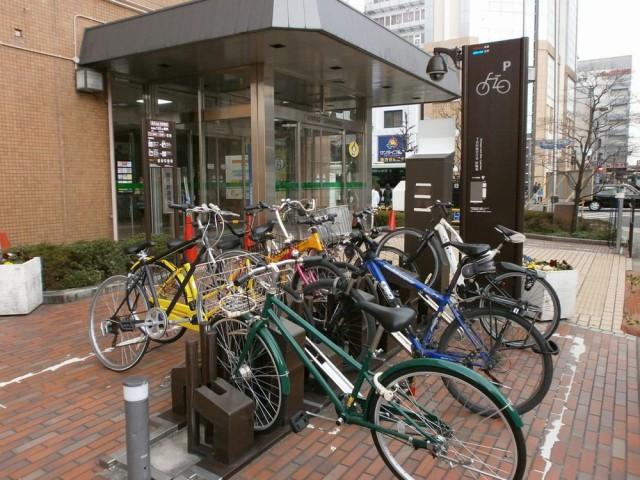 下京区役所自転車置き場