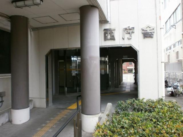 明石市役所西庁舎入り口