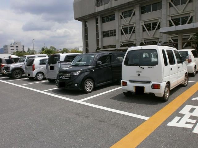 栗東市役所駐車場