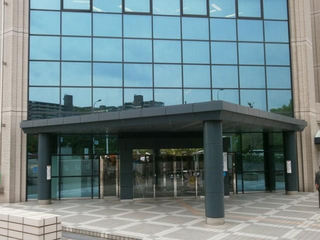 南区役所正面玄関