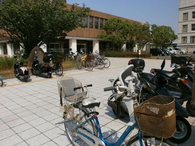 伊丹市役所 駐輪場
