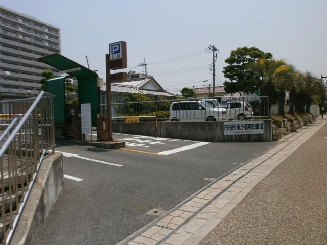 岸和田市役所駐車場