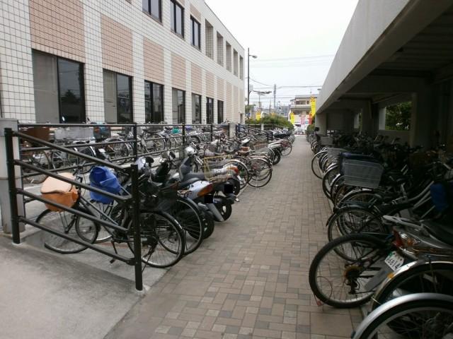 堺市西区役所駐輪場