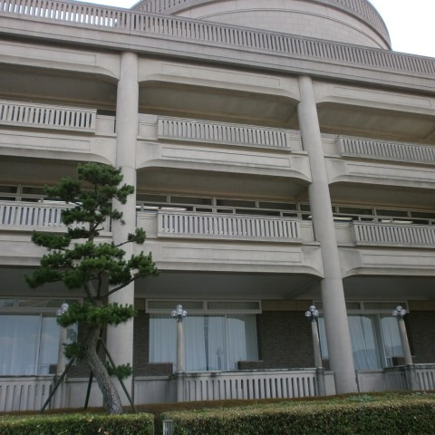 宝塚市役所概観