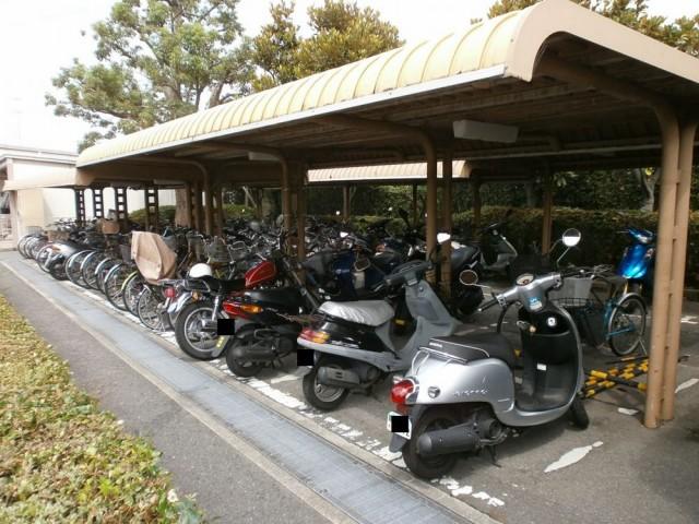宝塚市役所 駐輪場