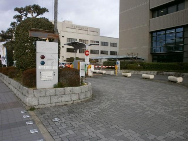 川西市役所駐車場