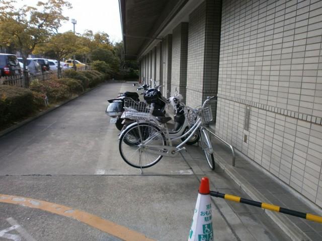 京田辺市市役所 駐輪場