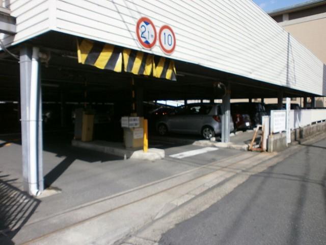 京都市西京区役所の駐車場について
