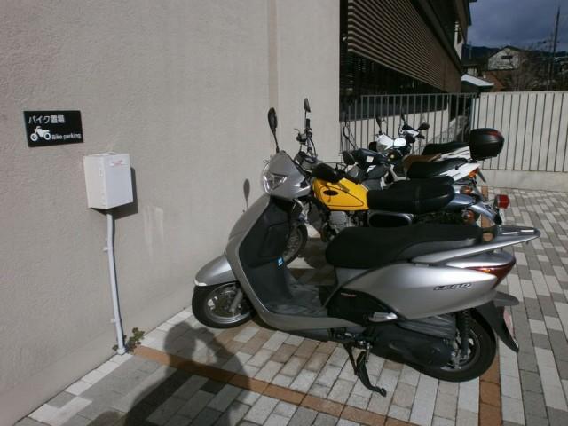 左京区役所バイク置き場