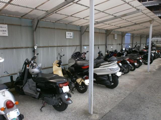 交野市役所 バイク置き場