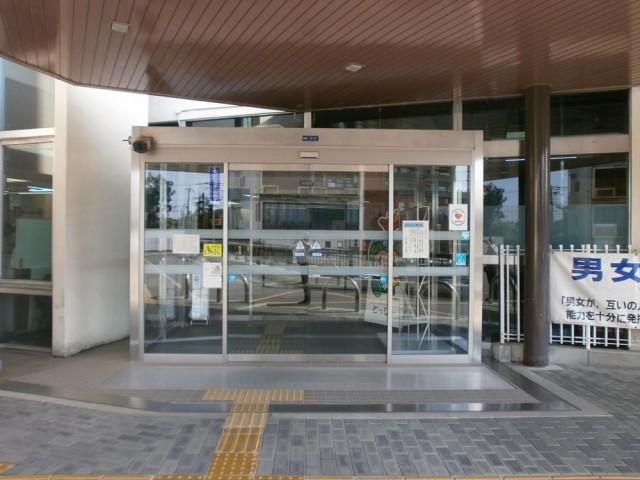 富田林市役所 正面玄関
