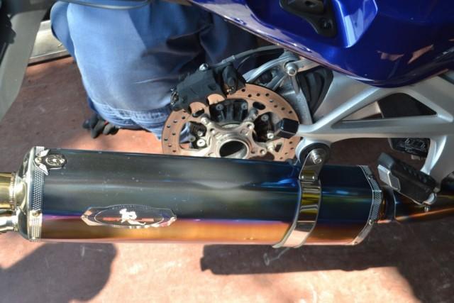 BMW R1200RT LCリアホイールが簡単に外れました